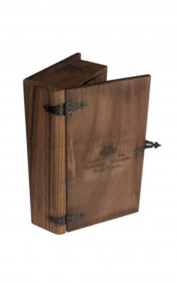 2 botellas + Estuche de madera tipo libro